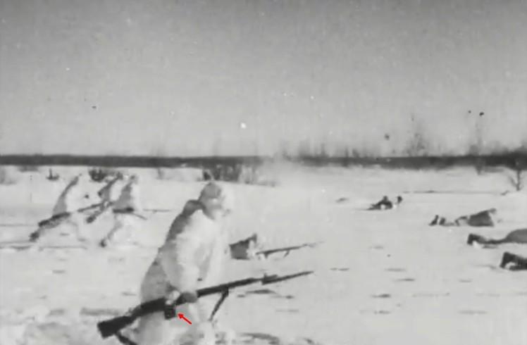 086 News Parade - Russia Strikes Back Screenshot