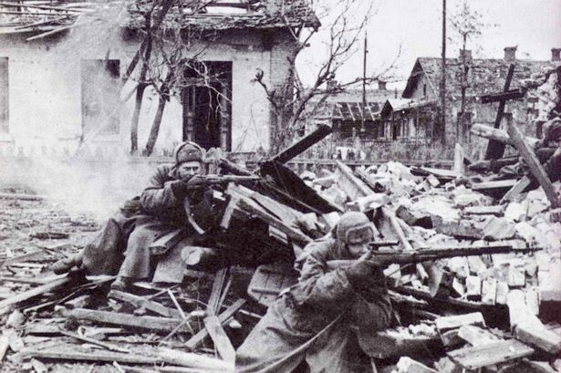 Foreground Soldier in Stalingrad - SVT-40
