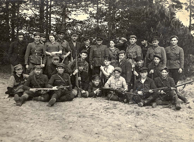 Polish Partisans with SVT-38