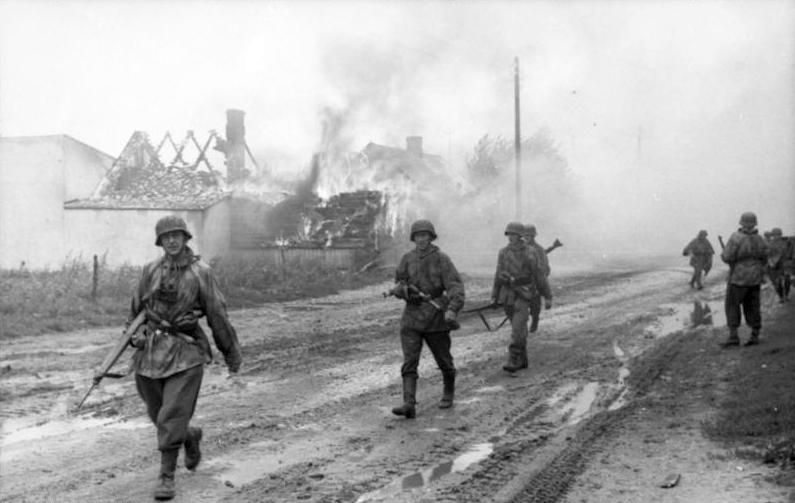 Warschauer Aufstand, Infanteristen in Ortschaft G43