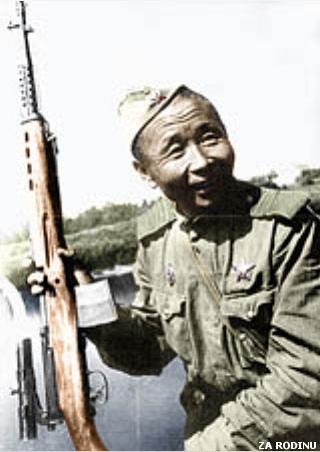 Soviet Sniper with SVT-40