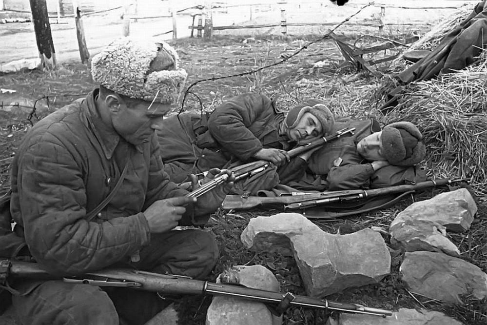 Russian Examining M9130 Bolt