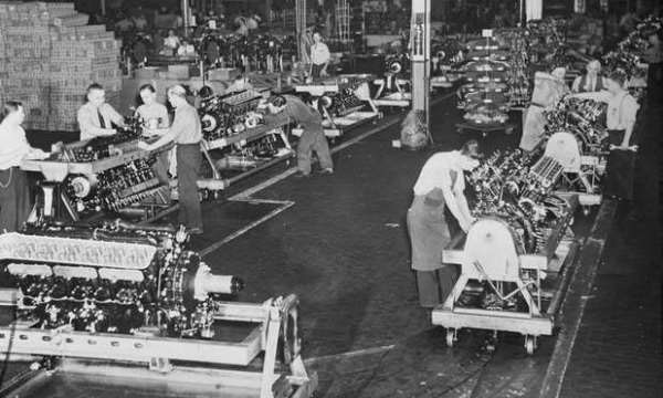 Packard Merlin Engine Production